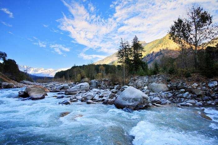 Himalaya from Himachal Pradesh tourism- best tour operator in India - roaming routes