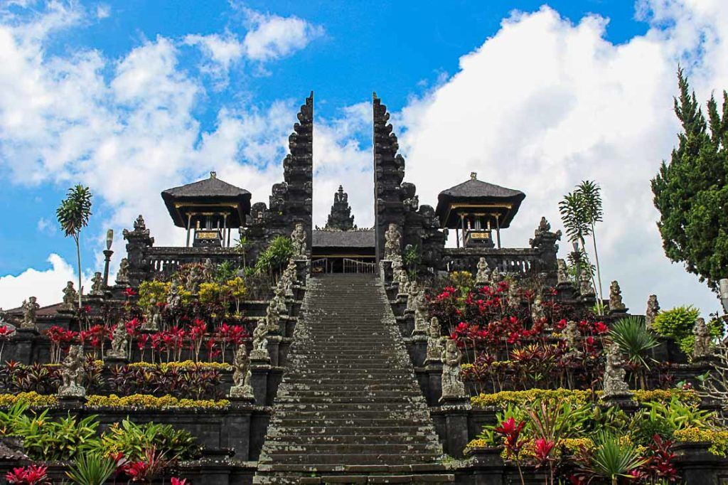 glimpse of the beautiful city bali in singapore bali trip with Roaming routes