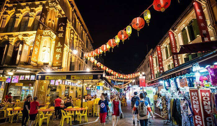 famous tourist attractions of Singapore  tour packages from India by roaming routes