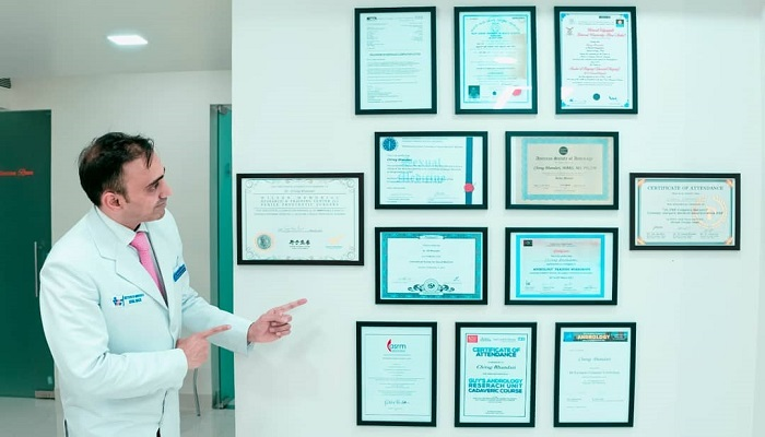 Andrologist in Gurgaon with his certificates and recognition