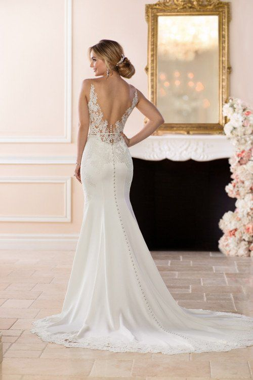 Backless sexy wedding dress