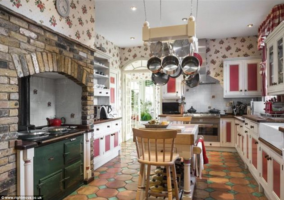 Give a British look to your kitchen