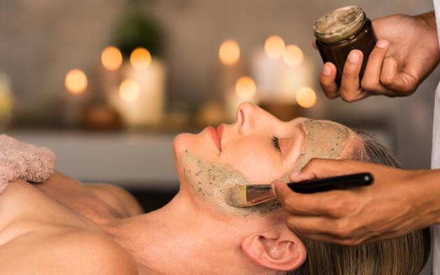 Using scrub to exfoliate your skin